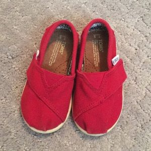 Toddler red Toms